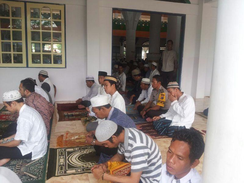 Bripka Adi Sucipto Silahturahmi ke Mesjid Al Hidayah Banjarmasin