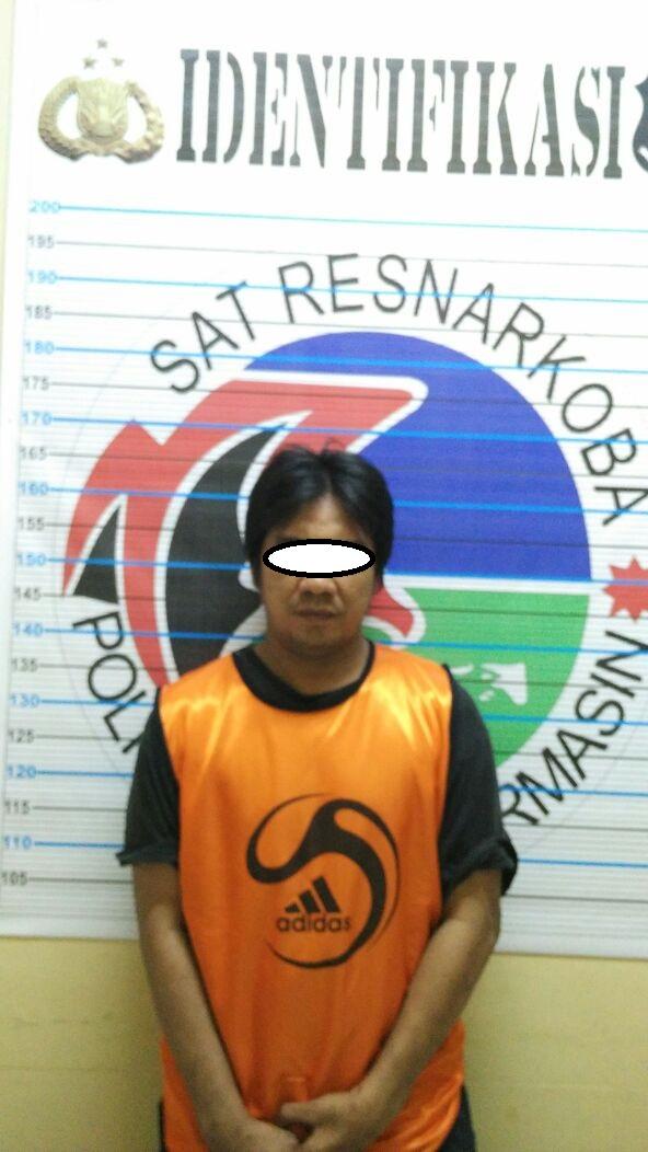 Satuan Resnarkoba Polresta Banjarmasin Bekuk Tersangka Penyalahgunaan Narkotika.