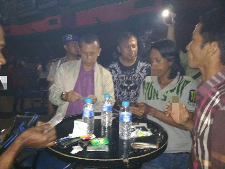 Kapolresta Banjarmasin Pimpin Pemeriksaan Pengunjung Tempat Hiburan Malam