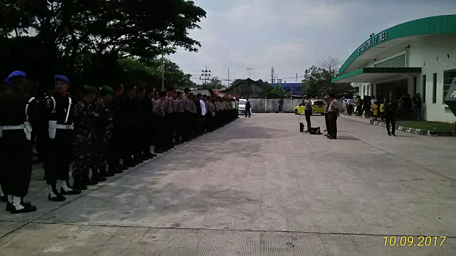 Polresta Banjarmasin Berikan Pengamanan Dalam Pertandingan Liga Gojek Dan Traveloka 2017