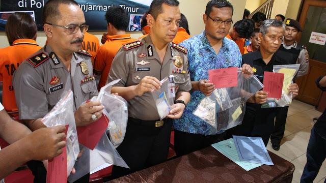 Kapolresta Banjarmasin Release Hasil Ungkap Jajarannya di Hadapan Para Wartawan