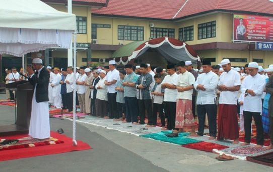 Kapolresta Banjarmasin Ikuti Rangkaian Kegiatan Hari Raya Idul Fitri 1439 H di Mako