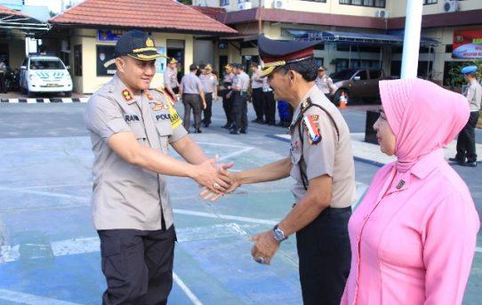 Waka Polresta Banjarmasin Pimpin Korp Raport Kenaikan Pangkat Pengabdian Kompol Herman Rantung