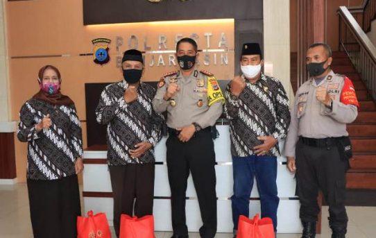 PP Polri Cab. Kota Banjarmasin Terima Paket Sembako Dari Alumni Akpol 1991
