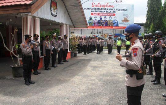 Ratusan Personel Polri Jaga Lokasi Pengundian Nomor Urut Paslon Pilkada Kalsel