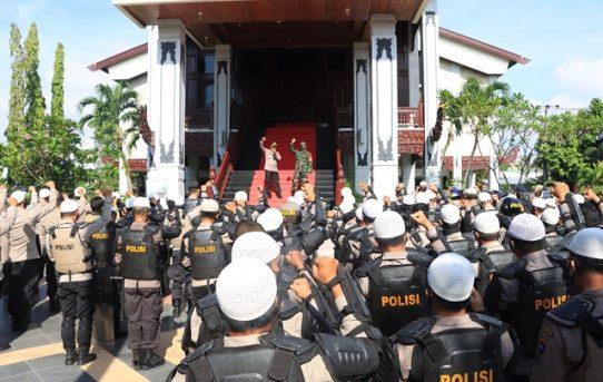 Seruan Sholawat, Iringi Persiapan Apel Pengamanan Aksi Buruh Di Banjarmasin