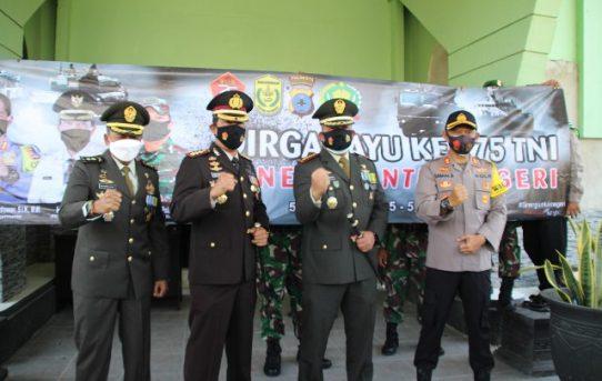 Bentuk Sinergitas, Polresta Banjarmasin Berikan Kejutan HUT TNI Ke Kodim 1007/Banjarmasin