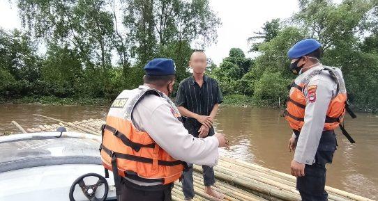 Tujuan Yogyakarta, IR Hanyut Di Lanting Bambu Dan Diamankan Satuan Polair Polresta Banjarmasin