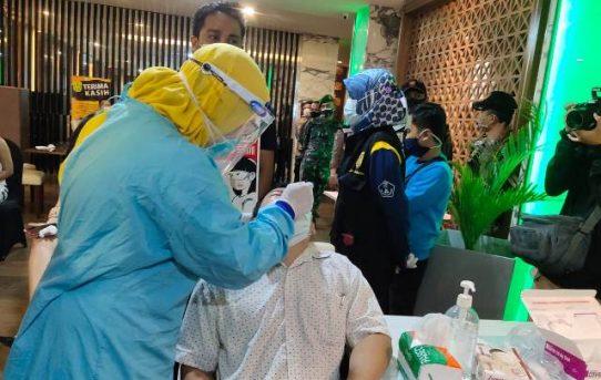Operasi Yustisi, Personel Gabungan Di Banjarmasin Lakukan Pengambilan Sampel