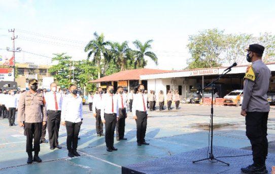 Apresiasi Atas Keberhasilan Tugas, 53 Personel Terima Penghargaan Dari Kapolresta Banjarmasin