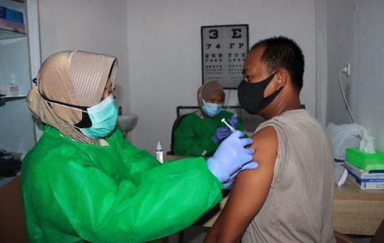 Respons Vaksinasi, Kapolresta Banjarmasin : Komitmen Dukung Program Pemerintah