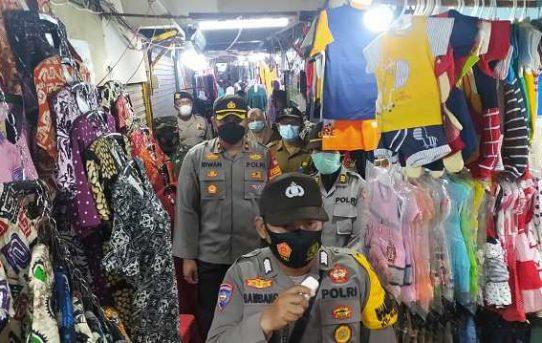 Tekan Covid -19 dan Jaga Harkamtibmas, Forkopimcam Banteng Rutin Gelar Patroli Pasar