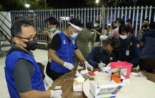 Operasi Yustisi Berlanjut! Personel Gabungan Di Banjarmasin, Tes Antigen Pengunjung Cafe