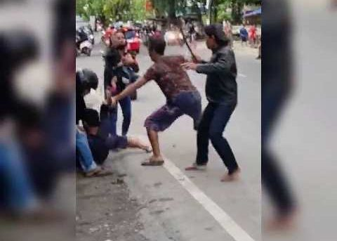Aksi Heroik Bripka Herry Vidiyanto Patut Diacungi Jempol