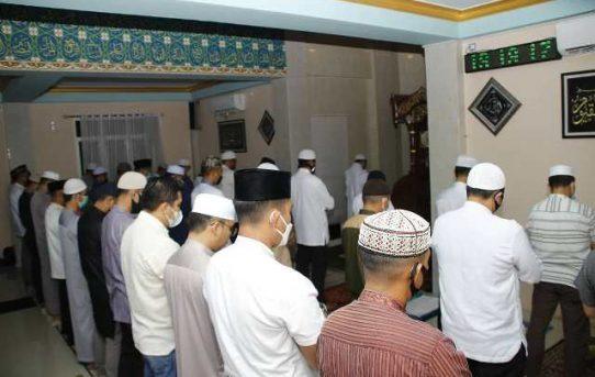Gerhana Terjadi, Polresta Banjarmasin Laksanakan Shalat Sunah Husuf