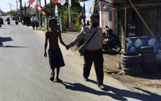 Panggilan Tugas Dan Hati Nurani, Aipda Aziz Bawa ODGJ Pulang Ke Rumah