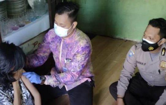 ODGJ Disuntik Vaksin Covid-19, Polresta Banjarmasin Dampingi Petugas Medis