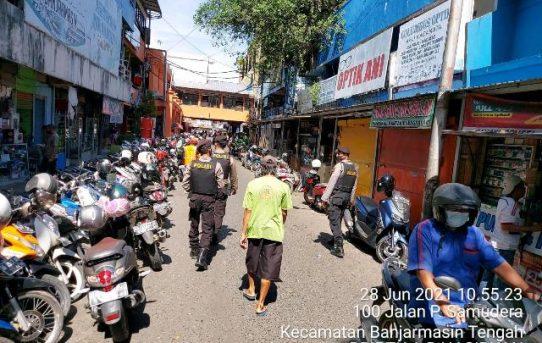 Patroli Kamtibmas, Pleton Tangkal Sat Sabhara Polresta Banjarmasin Sasar Pasar Tradisional