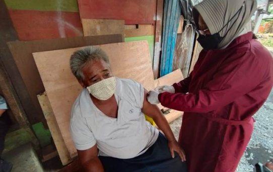 Percepatan Pemberian Vaksin Kepada Lansia, Polresta Banjarmasin Gelar Door To Door