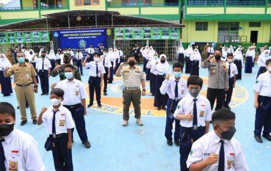 Tiga Pilar Banjarmasin Tinjau Hari Pertama PTM, Kapolresta : Ingatkan Penerapan Prokes