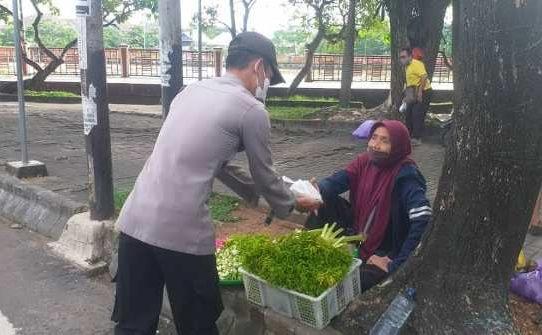 Jum'at Berkah Polsek Banjarmasin Tengah Dan Edukasi Prokes