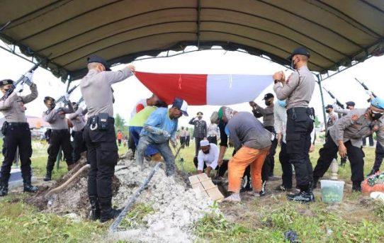 Wakapolresta Banjarmasin Pimpin Upacara Pemakaman Almarhum IPTU Jumadi