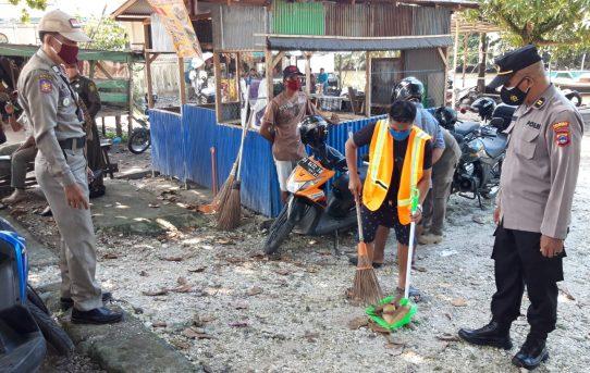 Operasi Yustisi Level IV Di Banjarmasin Pelanggar Prokes Disanksi Sosial Nyapu Jalan