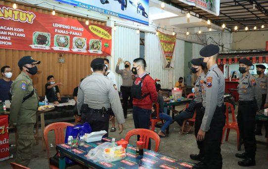 Operasi Yustisi, Petugas Gabungan Di Banjarmasin Temukan Cafe Langgar Surat Edaran